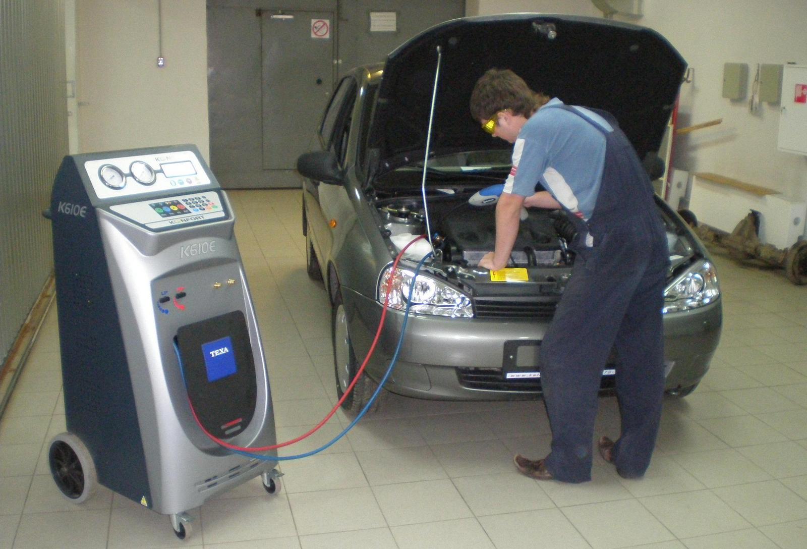 Проверка кондиционера в автомобиле